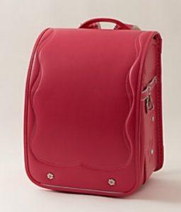女の子のピンクのランドセル